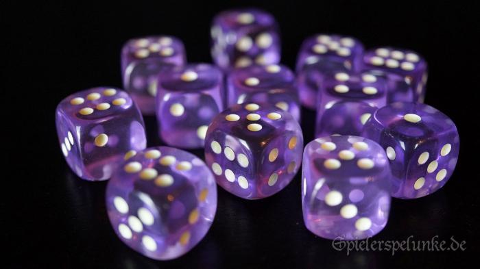 Fluoreszierende Augenwürfel lila transparent Kantenlänge 15mm